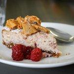Raspberry cheesecake with honeycomb