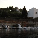 Barco Adela, Muelle de Port Lligat