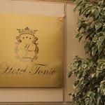 Hotel Tonic