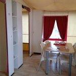 espace repas vue de la cuisine