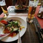 HIRSCHEN 레스토랑 샐러드..