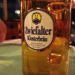 Meckatzer Bier mit Hopfen vom Hof