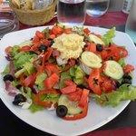la mia vegan salad  con dressing di carciofi!!!