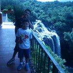 Vista de la cascada desde el restaurant