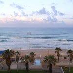 Blick aus dem Zimmer auf den Strand