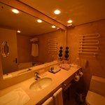 Banheiro suite cristal