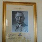 No nosso quarto havia a foto de um hóspede antigo: Presidente Truman - achámos a ideia giríssima