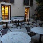 Der schöne Innenhof ... leider kein Cafe ...
