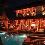 Pool & Restaurants