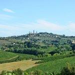 Vue sur San Gimignano depuis le jardin