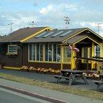 Java Hut, Crescent City