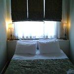Sari Konak Queen bedroom