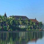Kandawgyi Palace View Photo