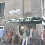 This little local is just round the corner from Al Sole (on the way the p.Roma) its a must for a