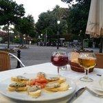 Cenando en Modesto con vistas a los Jardines de Murillo