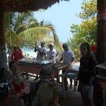 Essen Grilen auf der Paradiso Insel