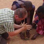 Feuer machen bei den Masais