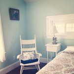 Green/blue room with King bed