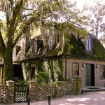 Middleton Place Restaurant surrounded by Live Oaks