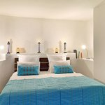 Inyoni Bedroom