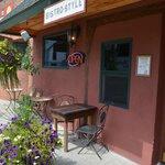 Four Main Street Bar & Grill