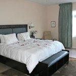 Bedroom (1 bedroom condo)