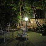 e la sera un angolo romantico a Villa Campo