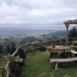vistas espectaculares de Bermeo desde el mirador del propio restaurante.