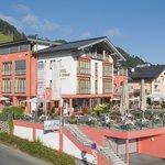 Hotel Schweizerhof in summer