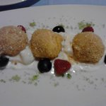 canederli dolci ripieni di albicocche