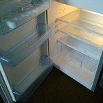 Le réfrigérateur de la kitchenette