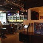 X-y-z Lobby Bar