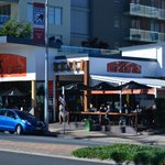 Restaurants and cafes - 15 minute walk to Kirra