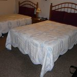Great River Amish Inn (beds)