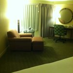 Sitting area in king size room..very spacious
