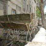 La ruota a pale del mulino (2)
