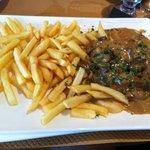 escalope de veau sauce normande (délicieux!)