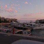 Vue sur la Marina depuis le Yatch Café