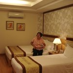 junior suite - 1 double bed and 1 single bed