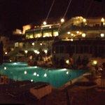 Βράδυ στη πισίνα
