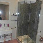 Chambre AMBRETTA : Salle de bains