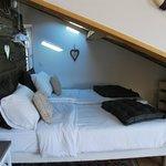 les lits avec velux au dessus pour voir les etoiles