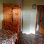 Bormio, Albergo Stella, camera armadio e porta dei servizi