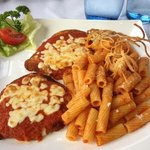 Saltimbocca mit Pasta an frischer Tomatensoße