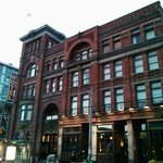 The Gladstone Hotel and Cafe exterior