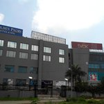 Golden Palms Hotel & Spa, Zirakpur ... attached to Paras Downtown Mall
