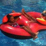disfrutando en la piscina!!!!