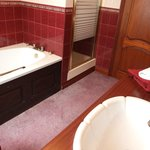 Ensuite to the Green Bedroom - with shower and jacuzzi bath