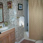 Endora bathroom