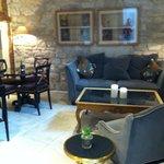Lounge, breakfast area